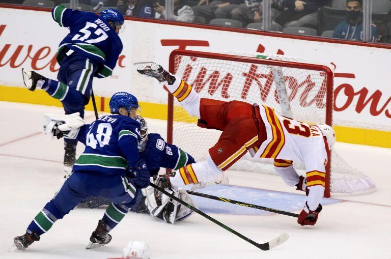 Vancouver Canucks - Calgary Flames