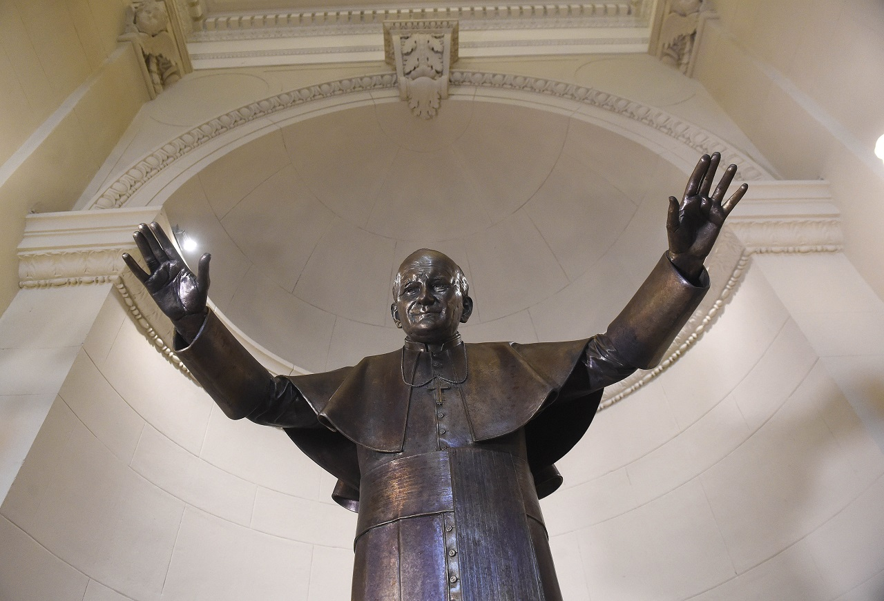 socha Ján Pavol II.