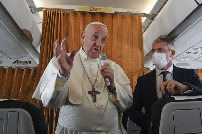 Pápež v lietadle
