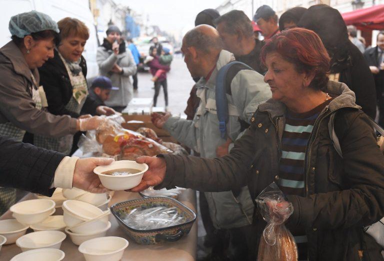 chudoba pomoc chudobným