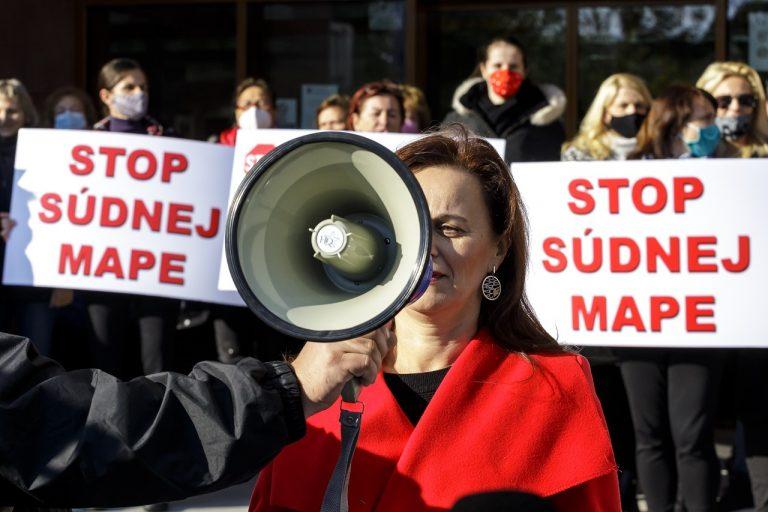 protest zamestnancov